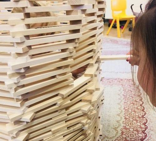 Edukacyjne duże klocki drewniane - najlepsza zabawa w przedszkolu