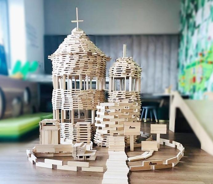 edukacyjne sensoryczne deseczki drewniane własna konstrukcja 1 - Ekologiczne deseczki drewniane dla dzieci - bezpieczne i edukacyjne zabawki