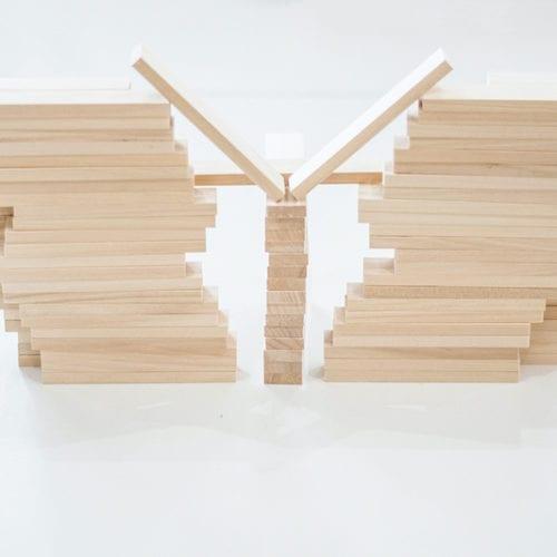 Edukacyjne i sensoryczne deseczki drewniane - ułóż własną konstrukcję