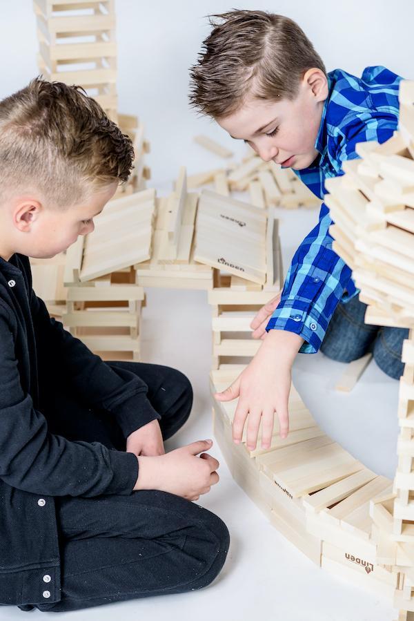 Jak drewniane klocki wpływają na rozwój dziecka?